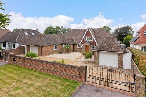 4 bedroom detached house for sale - Ferringham Lane, Worthing
