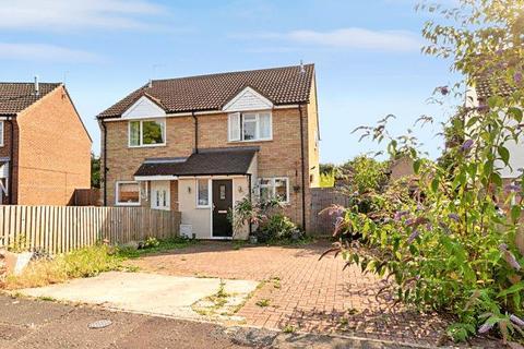 3 bedroom semi-detached house to rent - Sinnington End, Highwoods, Colchester