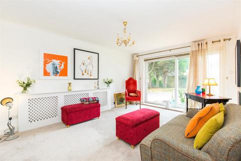 2 bedroom ground floor flat for sale - Balmoral Court, Grand Avenue, Worthing, BN11 5AX