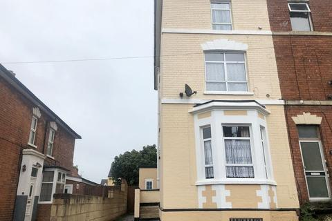 5 bedroom semi-detached house to rent - Regent Street, Gloucester
