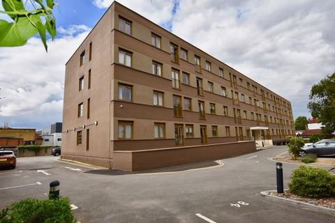 2 bedroom apartment to rent - 819 London Road, Sutton, SM3