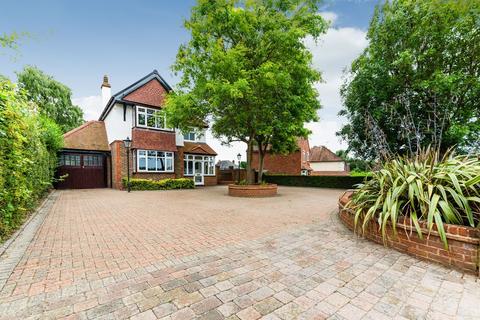 5 bedroom detached house for sale - Green Lane, Lower Kingswood, KT20