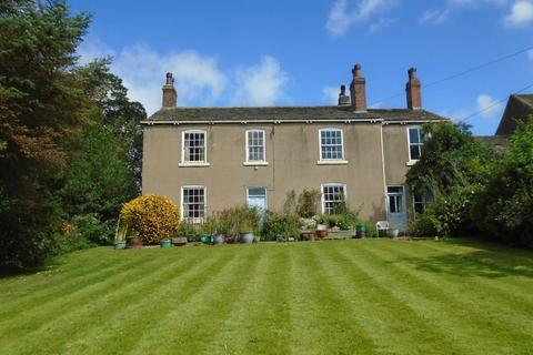 6 bedroom country house for sale - Newsam Green, Leeds