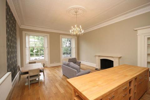 3 bedroom flat to rent - Carlton Terrace, Edinburgh