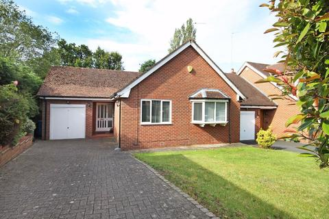 3 bedroom detached bungalow for sale - The Drive, Hale Barns, Cheshire