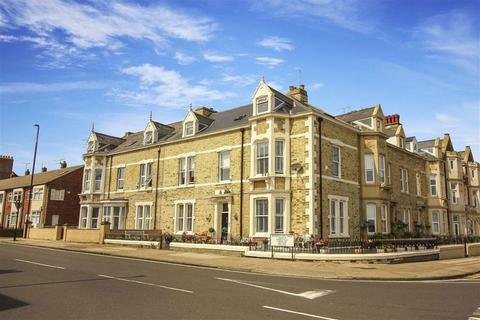 7 bedroom terraced house for sale - Beverley Terrace, Cullercoats, Tyne & Wear