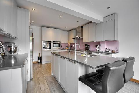 4 bedroom end of terrace house for sale - Marlborough Road, Isleworth