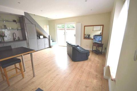 2 bedroom semi-detached house for sale - Whales Yard, London