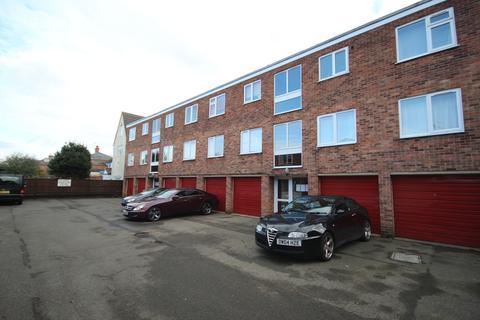 2 bedroom flat to rent - Briton Court, Spalding PE11