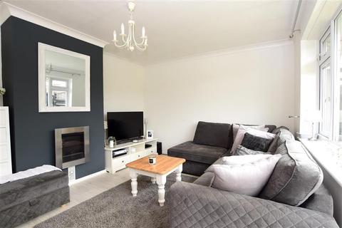 2 bedroom detached bungalow for sale - Hawth Park Road, Seaford, East Sussex