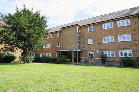 3 bedroom apartment for sale - WINCHMORE HILL