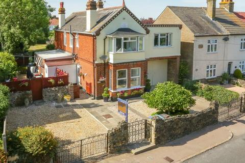 4 bedroom detached house for sale - Telegraph Road, Deal