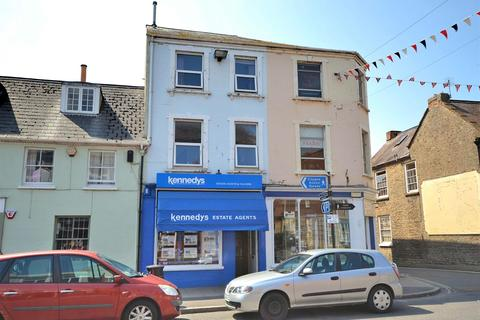 2 bedroom flat for sale - South Street, Bridport