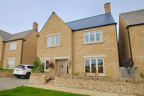 4 bedroom detached house for sale - Swinford Close, Cirencester