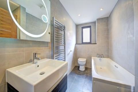 2 bedroom flat to rent - 144-146 Tooting High Street, Tooting