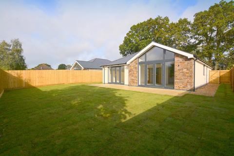 3 bedroom detached bungalow for sale - Hayes Lane, Wimborne