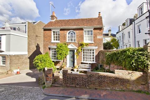 4 bedroom detached house to rent - 17 Warwick Road, Tunbridge Wells TN1