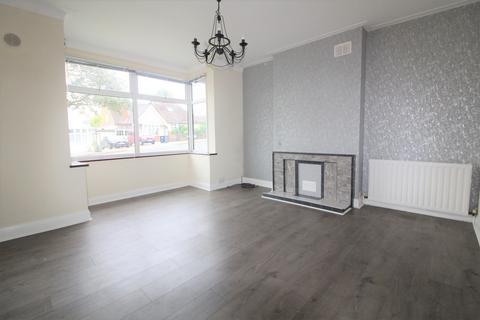 3 bedroom bungalow to rent - Normandy Avenue, Barnet, EN5