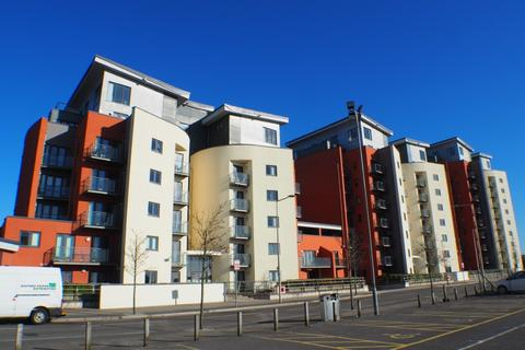 1 bedroom flat to rent - South Quay, Marina, Swansea, SA1 8AL