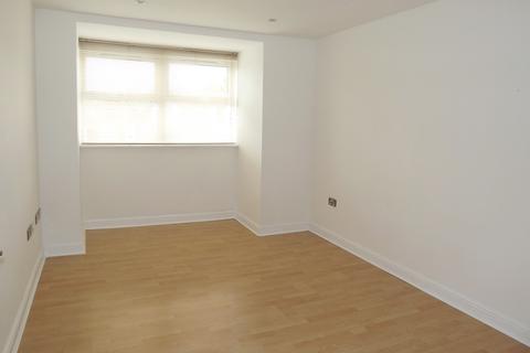 2 bedroom apartment to rent - Elmhurst Court, Heathcote Road, Camberley, Surrey GU15