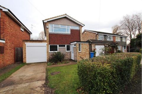 4 bedroom detached house to rent - Florence Avenue, Maidenhead, SL6