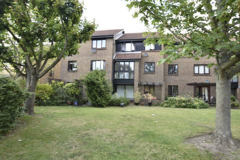 1 bedroom flat for sale - Foxwood close, Feltham, Middlesex, TW13