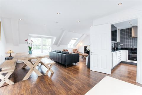 2 bedroom apartment for sale - Lakeside, Aylesbury, Buckinghamshire, HP19