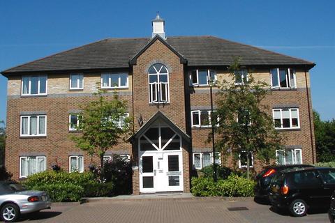 1 bedroom apartment to rent - 19 COTSWOLD WAY, WORCESTER PARK KT4
