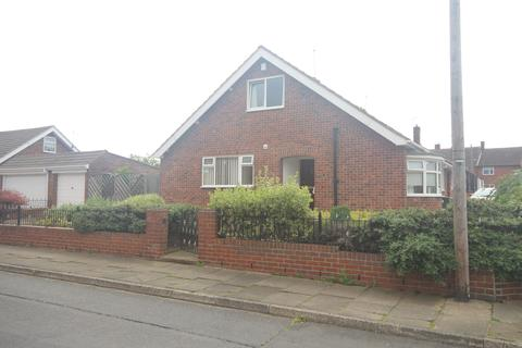 2 bedroom semi-detached bungalow for sale - Farlam Avenue , Marden Estate, North Shields, Marden Estate, North Shields, NE30 3PW
