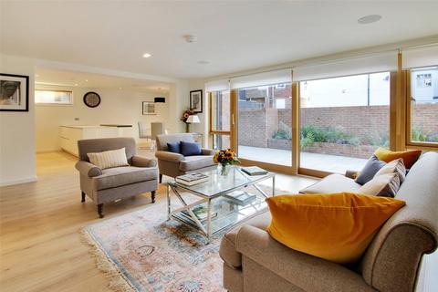 2 bedroom flat to rent - Epicurus House, 1-3 Akehurst Lane, Sevenoaks, Kent, TN13