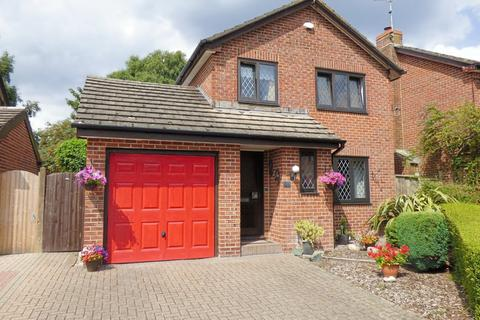 3 bedroom detached house for sale - Stourpaine Road, West Canford Heath