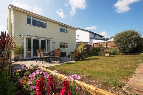 4 bedroom detached house for sale - St Quentins Close, Llanblethian, Cowbridge, Vale of Glamorgan, CF71 7EZ