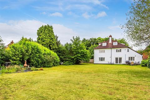 2 bedroom flat to rent - Hillcrest, West Hill, Oxted, Surrey, RH8