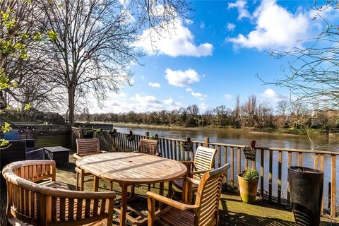 6 bedroom semi-detached house to rent - Hartington Road, Chiswick, London, W4