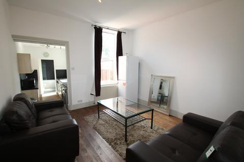 4 bedroom house to rent - Montague Road, Smethwick, Birmingham