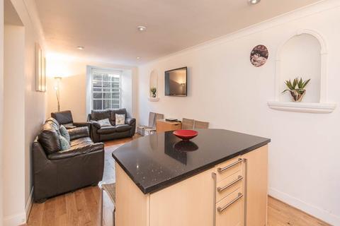 4 bedroom flat to rent - Albany Street, Edinburgh,