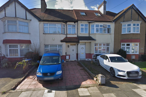 3 bedroom semi-detached house to rent - Devonia Gardens, London