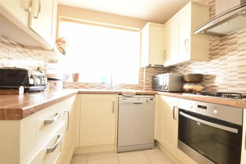 2 bedroom property to rent - Stoneleigh Road, CARSHALTON, Surrey, SM5