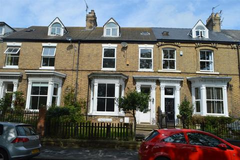 5 bedroom townhouse for sale - New Road, Hornsea