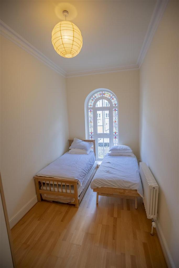 15 Ranmoor Park Second Bedroom (1).jpg