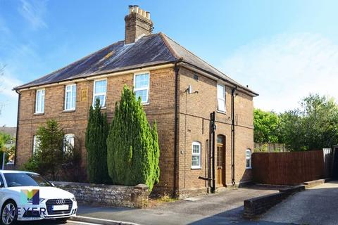 3 bedroom semi-detached house for sale - Alington Road, Dorchester, DT1