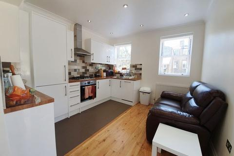 3 bedroom flat to rent - Gilbey Road,Tooting Broadway, London