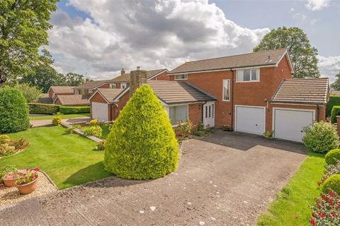 4 bedroom detached house for sale - Greenside, Mold