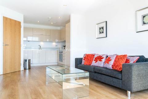 2 bedroom apartment to rent - Aqua Vista Square, Canary Wharf, E3