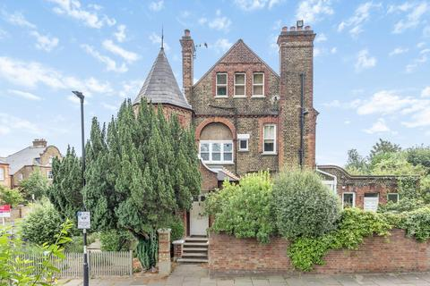 2 bedroom flat for sale - Criffel Avenue, Streatham Hill
