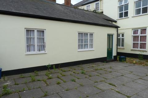 House to rent - 17 St Peter Street, Tiverton