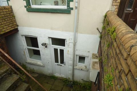 2 bedroom ground floor flat for sale - Wyndham Street, Ogmore Vale, Bridgend, Bridgend County. CF32 7EU