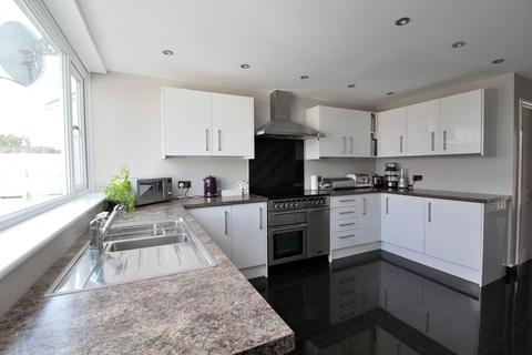3 bedroom terraced house for sale - Darrell Close, Chelmsford, Essex, CM1