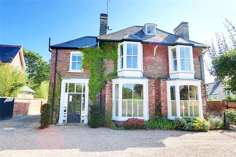 5 bedroom detached house for sale - York Road, Beverley, East Yorkshire, HU17