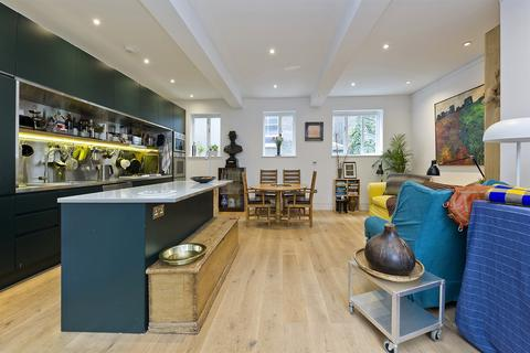 3 bedroom house to rent - St Lukes Mews, London, W11